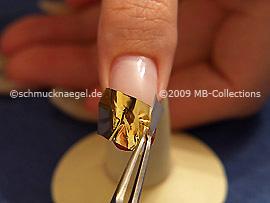 Pinzette und Metallic-Folie
