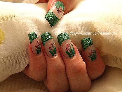 Fingernagel Motiv in grün-glitter