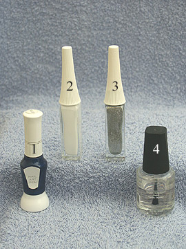 Produkte für Naildesign in dunkelblau - Nagellack, Nailart Liner, Klarlack