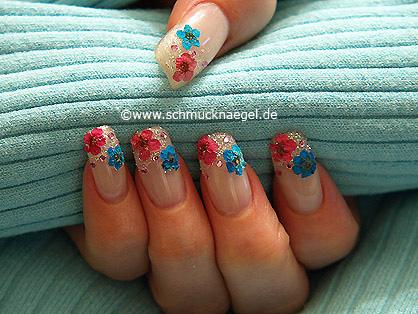 Frühlingsmotiv mit getrockneten Blumen