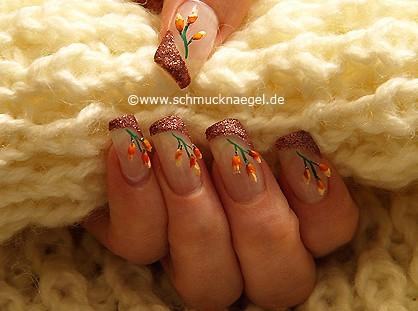 Fingernagel Motiv mit getrockneten Blumen