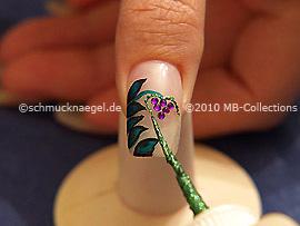 Nailart Liner in der Farbe grün-glitter