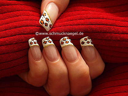 French Fingernagel Design mit Nailart Liner