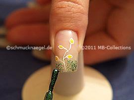Glitter-Nagellack in der Farbe grün