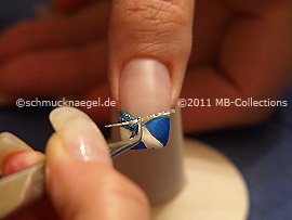 Hologramm-Folie und Pinzette