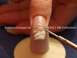 Nailart Liner in der Farbe gold