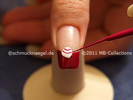 Nailart Liner in der Farbe lavendel