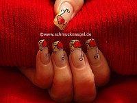 Valentinstag Herz mit Nagellack in kupfer-glitter