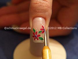 Nailart Bouillons in lila und den Spot-swirl