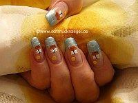 Sommer Motiv mit Nagellacken in verschiedenen Farben