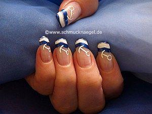 Maritim Fingernagel Design mit Nagellacken