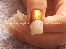 Nagellack in der Farbe perlmutt