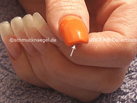 Nagellack in der Farbe orange
