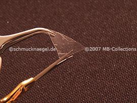 Schere, Pinzette und durchsichtiges Klebeband