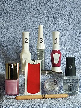 Produkte für das rosa French Motiv mit Ziehtechnik - Nagellack, Strasssteine, French Maniküre Schablonen, Nailart Liner, Nailart Pen, Spot-Swirl, Klarlack