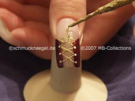 Nailart Liner in der Farbe gold-glitter