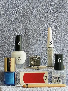 Produkte für das Motiv French in blau weiß - Nagellack, Nailart Liner, French Maniküre Schablonen, Strasssteine, Spot-Swirl, Klarlack