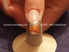 Nailart Liner in der Farbe gold