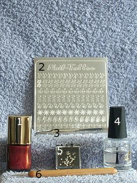 Produkte für das Nageldesign Motiv in kastanienbraun - Nagellack, Nail Tattoos, Strasssteine, Spot-Swirl, Klarlack
