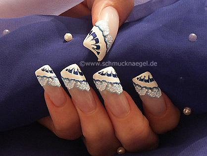 Nailart mit Nail Sticker und Nagellack