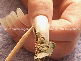 Blattgold, die Pinzette und das Rosenholzstäbchen