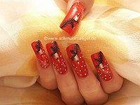 Weihnachtsmotiv für die Fingernägel