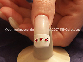 Sternenförmige Strasssteine in rot