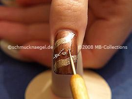 Nail art bouillons en plata y spot-swirl