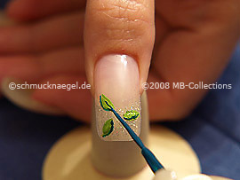 Nail art liner en verde oscuro