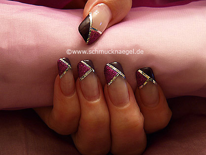 Holograma y nail art liner en fucsia-glitter