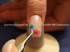 Pinzeta y flor seca