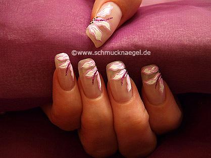 Motivo de flores para decoración en uñas