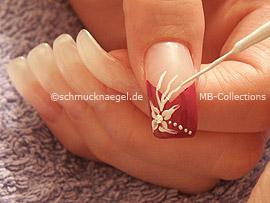 el nail art liner de color blanco