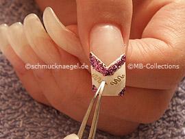 pinzeta y nail-tattoo con ondulatoria