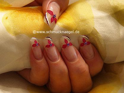 Flores en manicura francesa con bouillons en lila