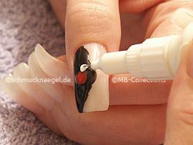 nail art pens de color rojo, blanco, plata y bronce