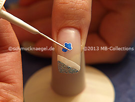 Nail art iner de color blanco