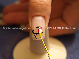 Nail art liner de color rojo y amarillo