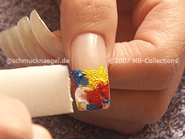 esponja pequeña con las pinturas acrílicas
