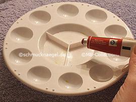 paleta para mezclar colores y pintura acrílica