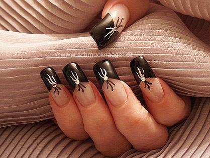 Uñas francesas en negro