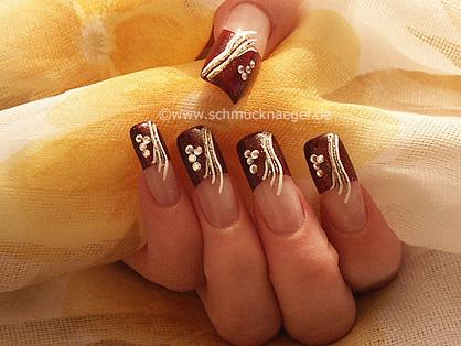 Rojo oscuro glitter en uñas francesas