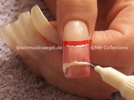 nail art pens de color blanco y lavanda