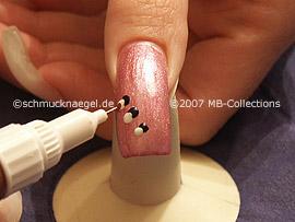 nail art pen de color blanco y bronce