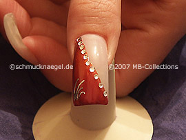 pinzeta y nail tattoo de color plata