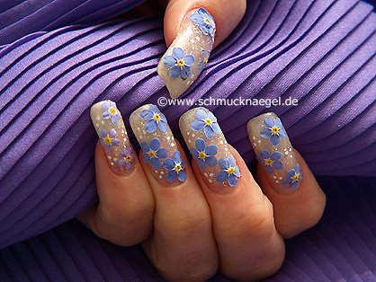 Dry flowers for a fingernail motif