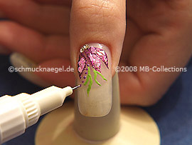 Nail art pen in the colour lavender