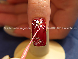 Nail art liner in the colour pink