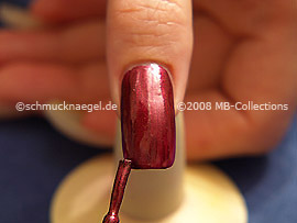 Nail lacquer in the colour copper