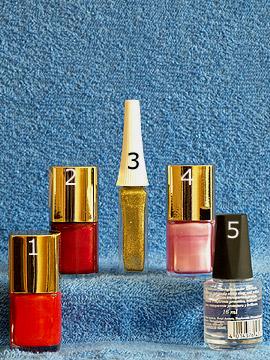 Products for the mosaic motif with several colours - Nail polish, Nail art liner, Clear nail polish